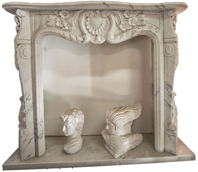 Fireplace with composite frieze. Fireplace with a French-style structure but with a composite front thanks to the addition of a floral pattern to the classic shell. Dimensions 150x110x30
